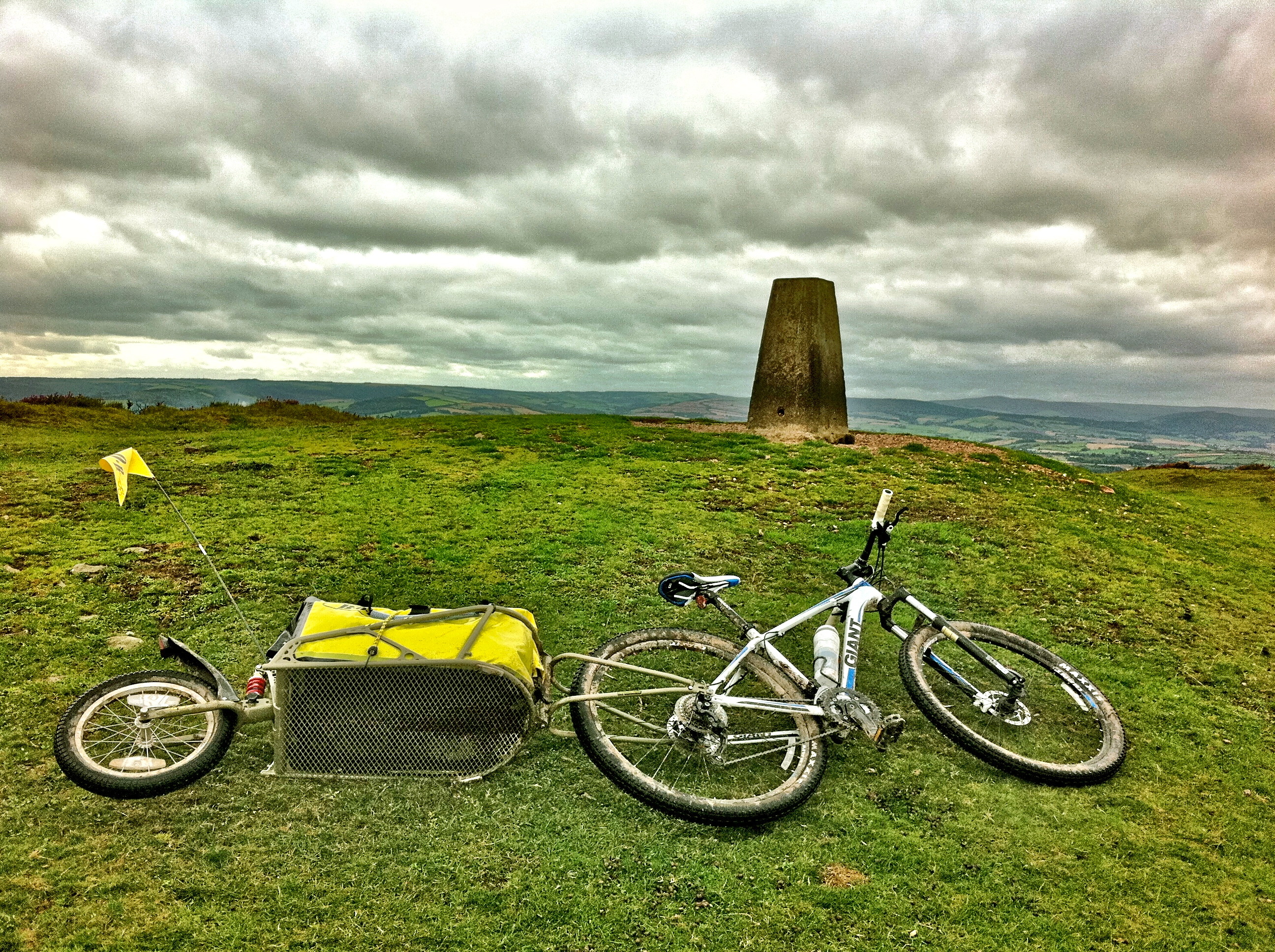 Giant Talon 29er + Bob Ibex Trailer + Quantocks Rough Stuff Cycling = Quite a Day