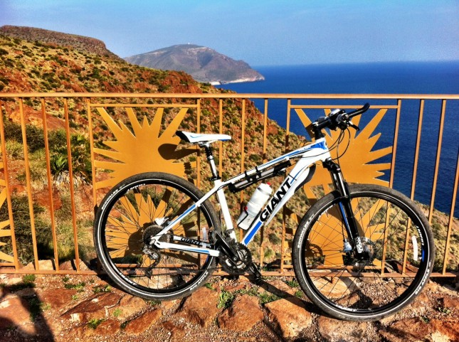 Giant Talon 29er, taking a rest after an enjoyable ride in the Cabo de Gata