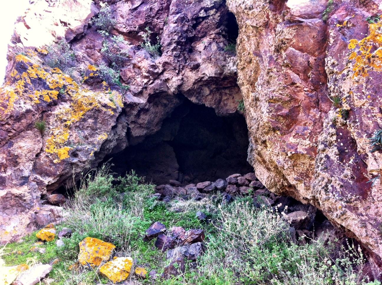 A Habitable Cave in Cerro Cuchillo, Cabo de Gata