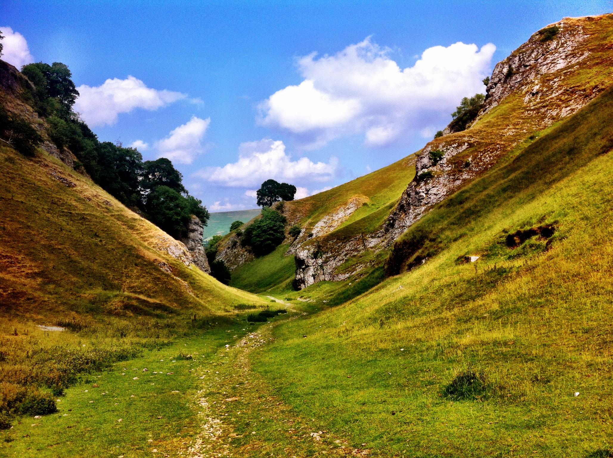 A Shorter Walk From Castleton – Cave Dale, The Winnats and Mam Tor Landslip