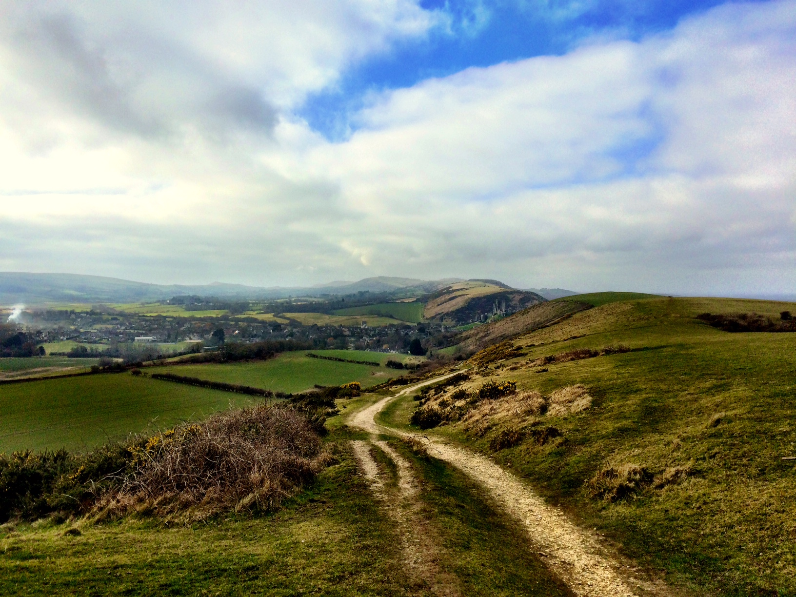 Nine Barrow Down, Corfe Castle and Kingston Loop